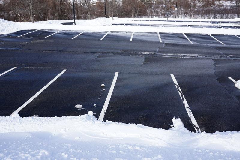 parking lot snow removalll